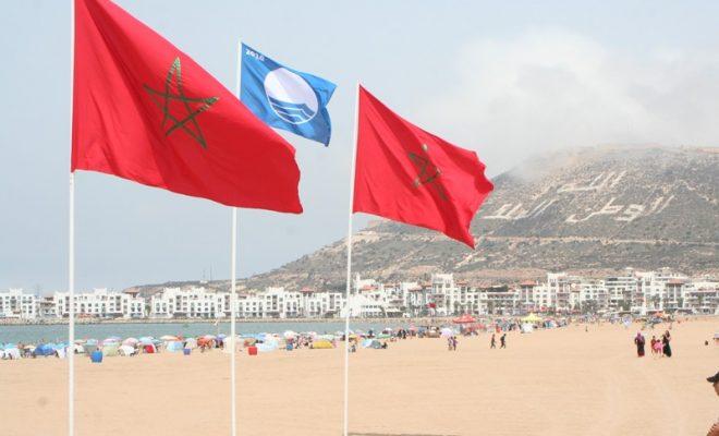 """للمرة الثانية على التوالي .. """" اللواء الأزرق """" يرفع في شاطئ أكادير"""